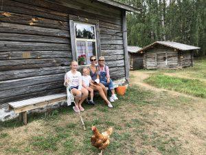eroakiireesta_kirjailija ja toimittaja Ulla-Maija Paavilainen_Liehtalanniemen museotila_Puumala_Mikkelin seutu