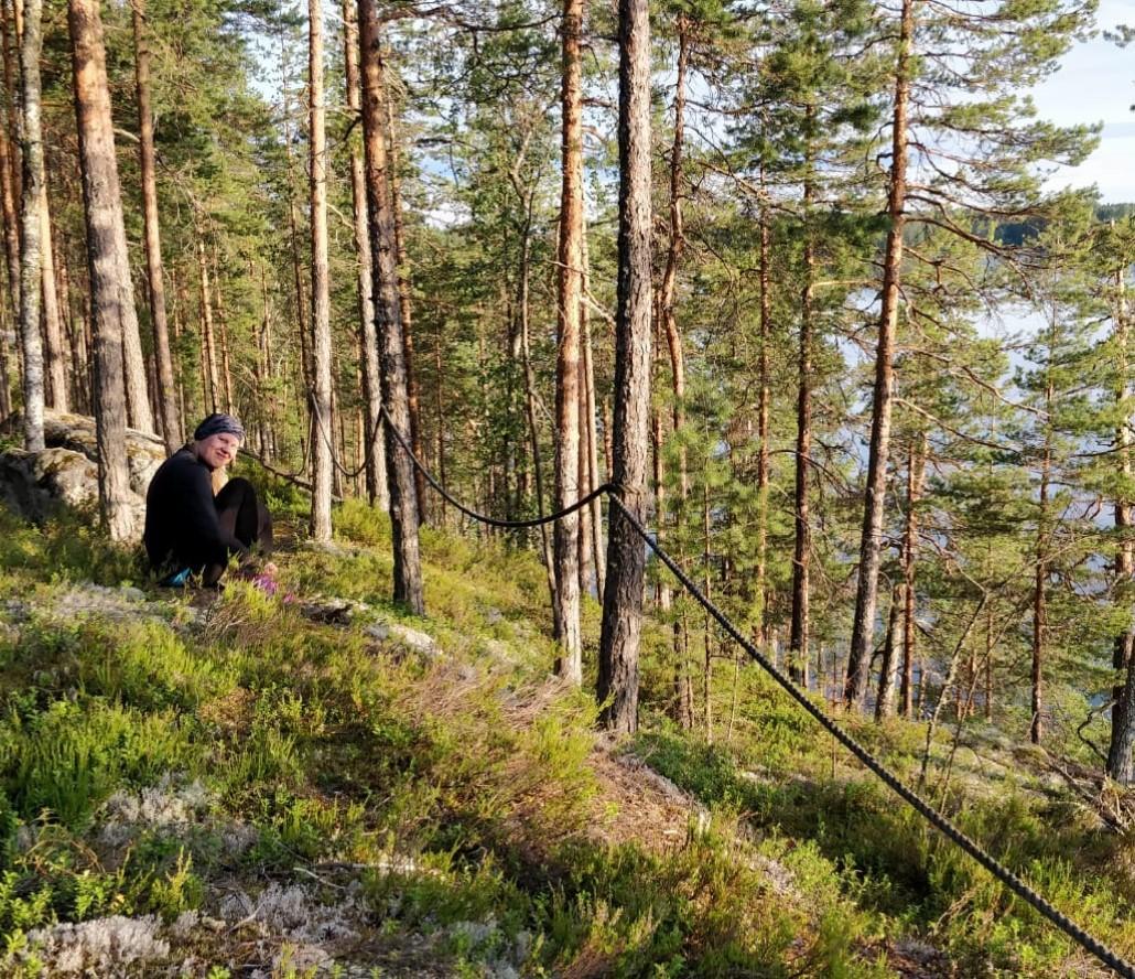 Terhi Patja Mikkelin Haukivuoren Häkkilän retkipolulla.